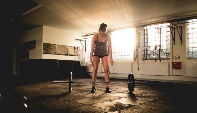 Тяжелая атлетка в кроссфите