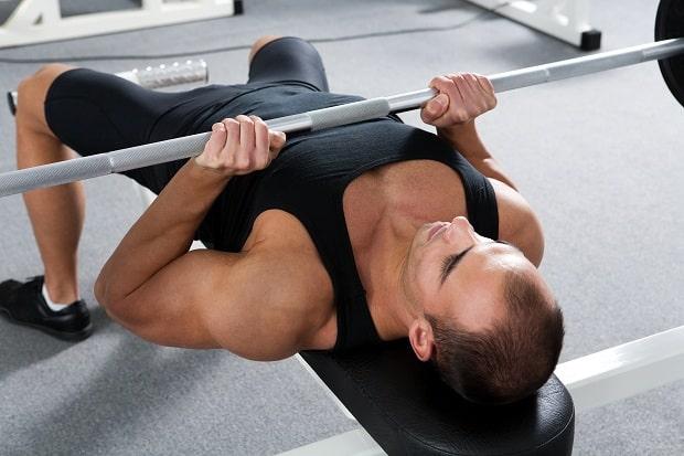 Упражнение жим лежа узким хватом