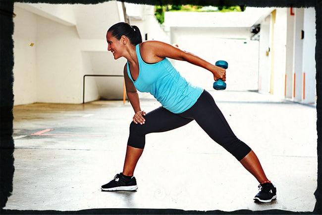 Разгибания рук в наклоне с гантелями упражнение