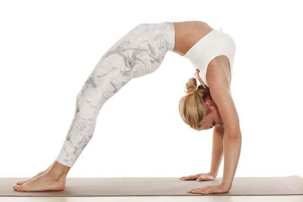 Упражнение задний мостик