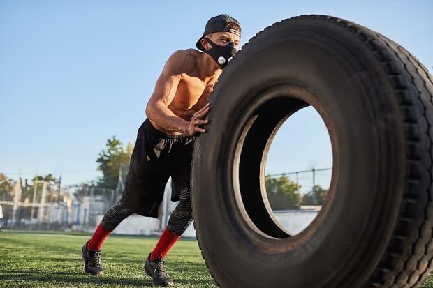 Упражнения в тренировочной маске