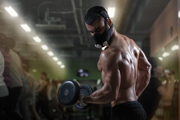 Силовые упражнения в маске