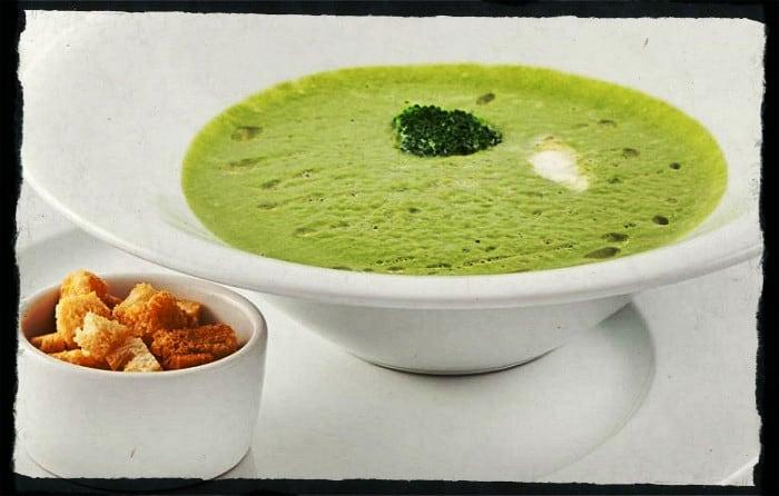 Суп-пюре из шампиньонов со шпинатом