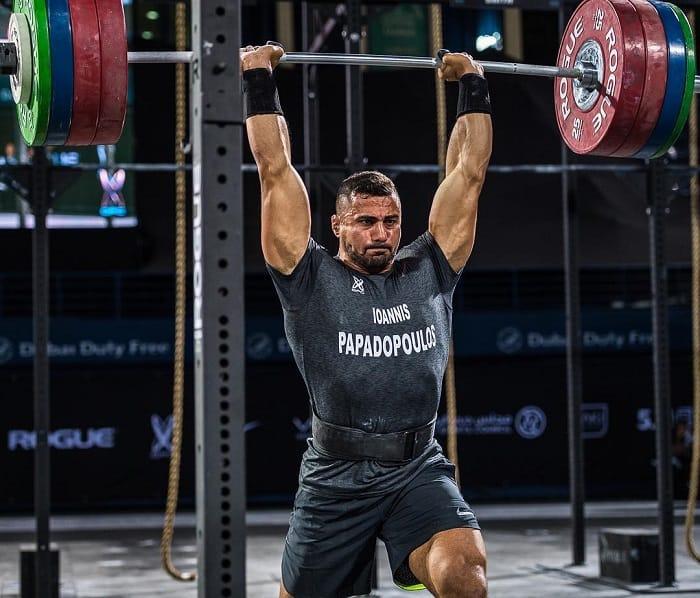 Выполнение комплекса 17.11 на Dubai Fitness Championship 2017