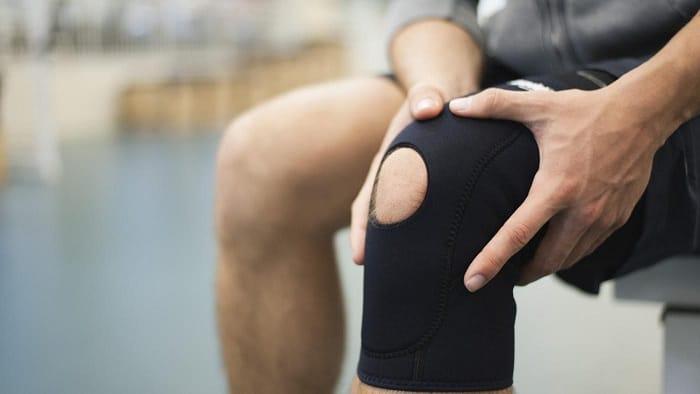 Трамированное колено (в бандаже)