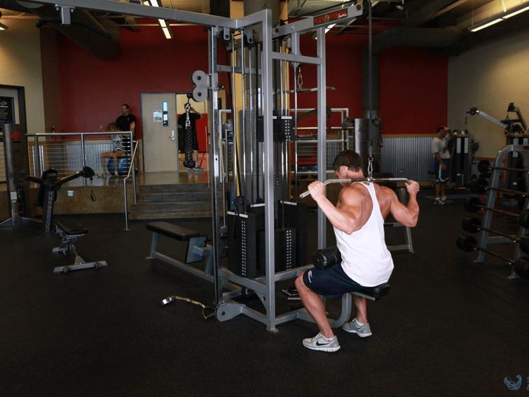 Тяга верхнего блока за голову упражнение для спины для зала