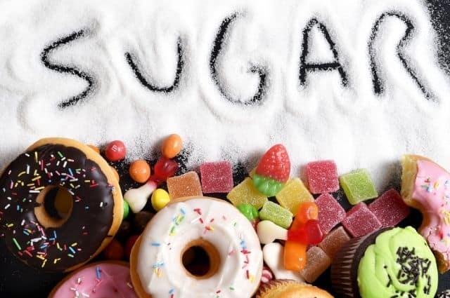 Жиры и сахар в пищевой пирамиде