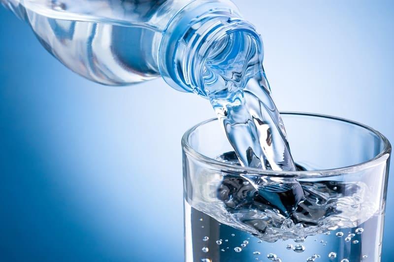 Вода поможет меньше есть