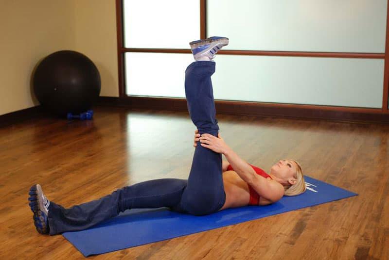 Упражнение с ногой