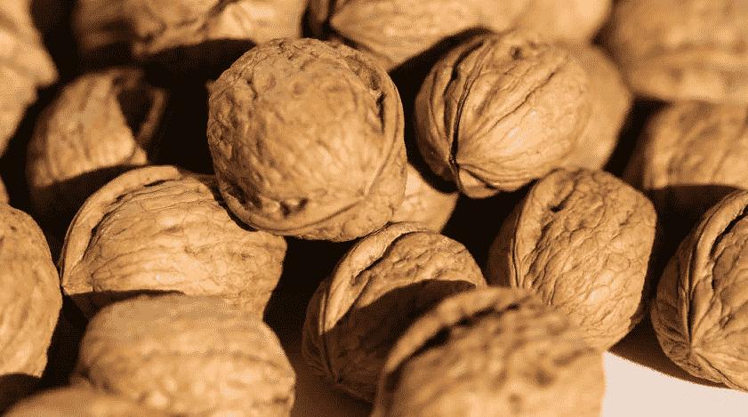 Чем полезен или вреден грецкий орех