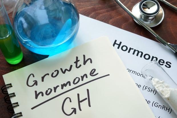 На бумажке написано гормон роста