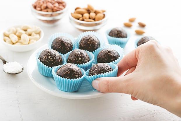 шоколадные энергетические батончики в формочках