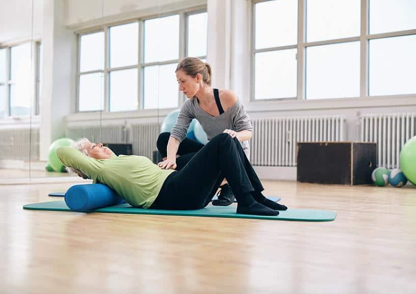 Упражнения с валиком