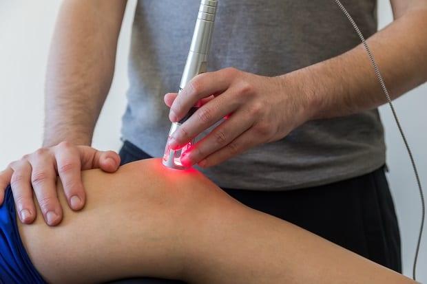 Лазерная физиотерапия колена