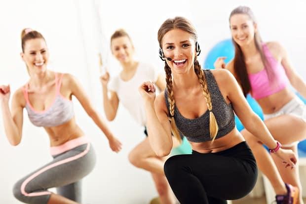 Групповые тренировки в фитнес-клубе