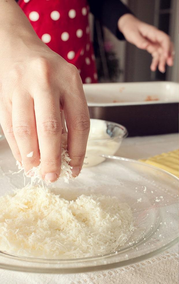 тертый сыр пармезан
