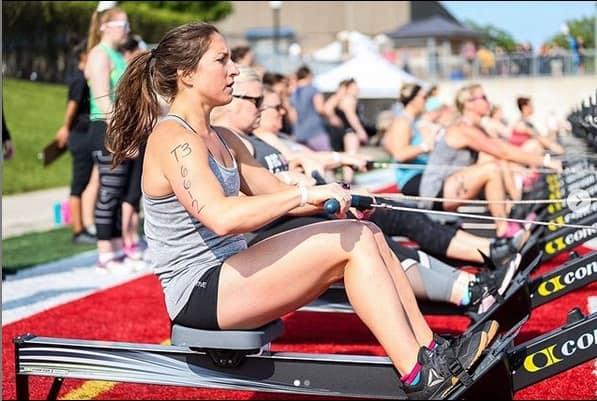Кроссфит-атлетка Эмели Забели участвует в гонке Trail Rail Run