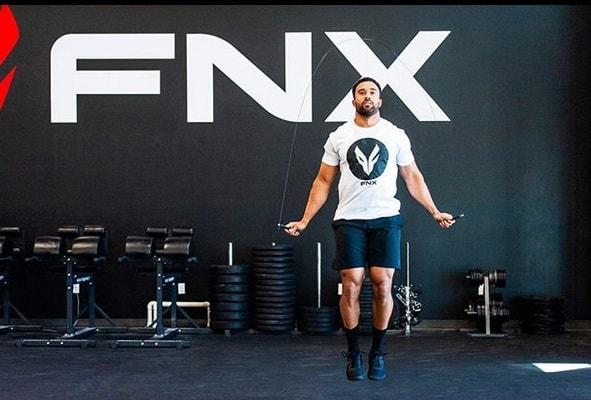 Адриан Конвей продвигает бренд FNX